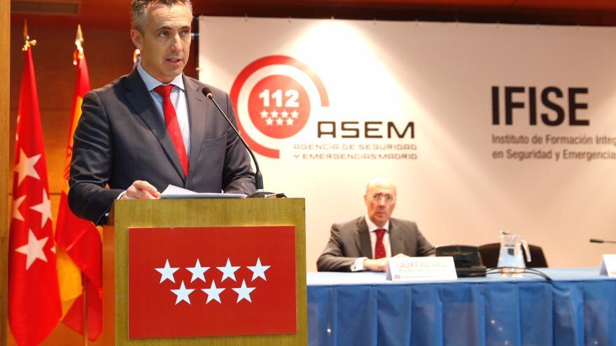 Carlos Novillo durante la presentación de policías locales