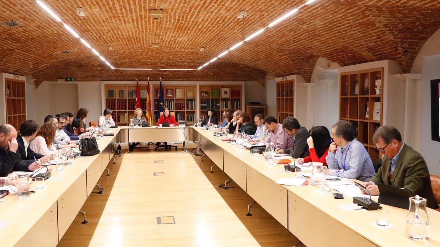 La directora general de Turismo, Laura Blanco, en la tercera reunión de la Mesa Regional de Turismo