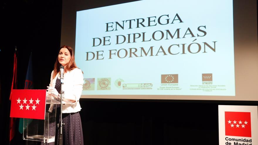 La consejera de Políticas Sociales y Familia, Lola Moreno, ha clausurado hoy estos cursos de formación