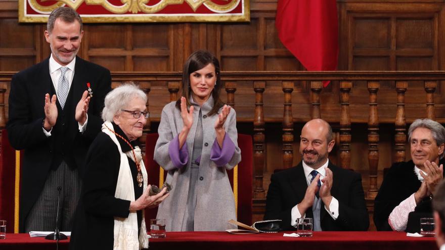 Rollán asiste a la entrega del Premio Cervantes