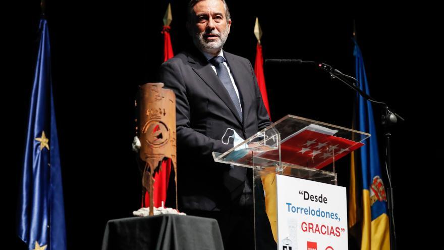 Enrique López ha participado en el acto de homenaje a la ASEM 112 que ha organizado el Ayuntamiento de Torrelodones