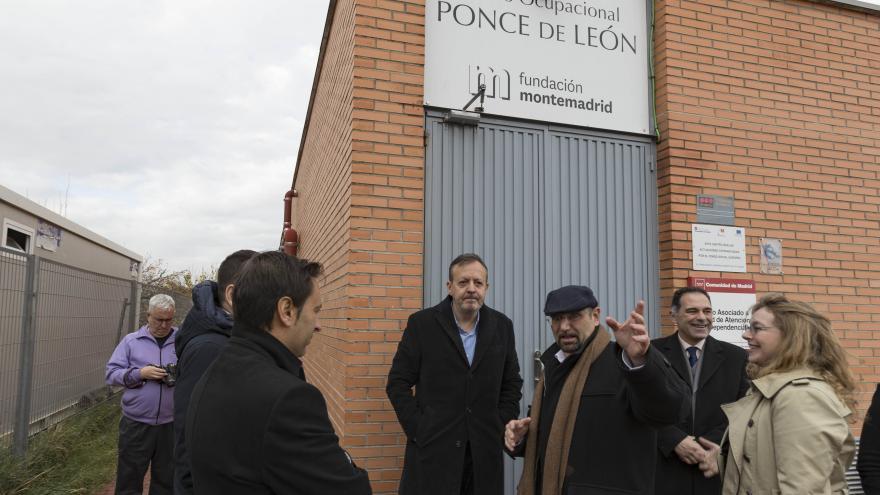 Alberto Reyero durante su visita al Centro Ocupacional Ponce de León