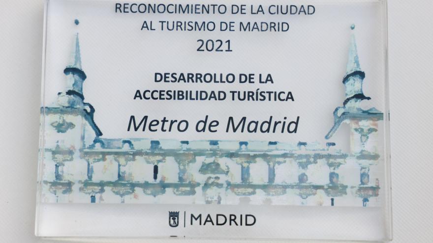 Fotografía de la placa recibida