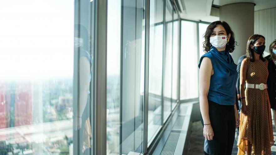 Isabel Díaz Ayuso durante la firma del convenio para la puesta en marcha de infraestructuras en Madrid Nuevo Norte