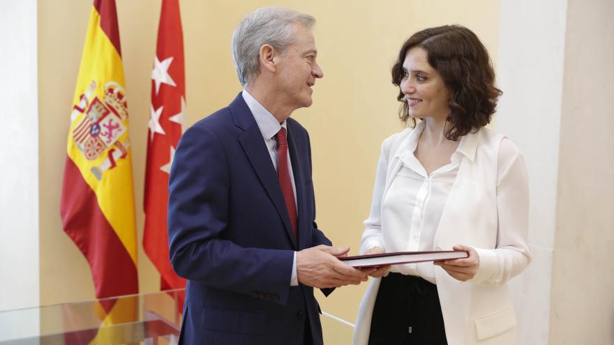 Isabel Díaz Ayuso con el fiscal superior de la Comunidad, Jesús Caballero Klink