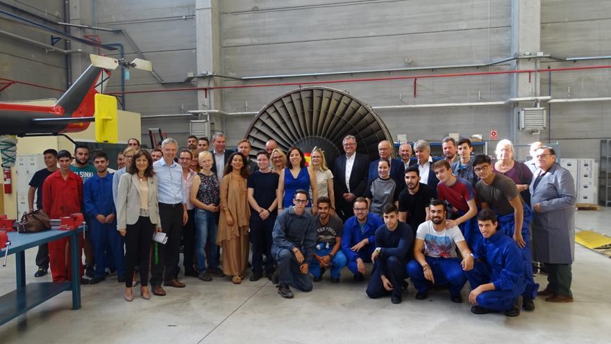 Cristina Álvarez y el secretario de estado de la Consejería de Educación de Hesse han visitado el CIFP Profesor Raúl Vázquez