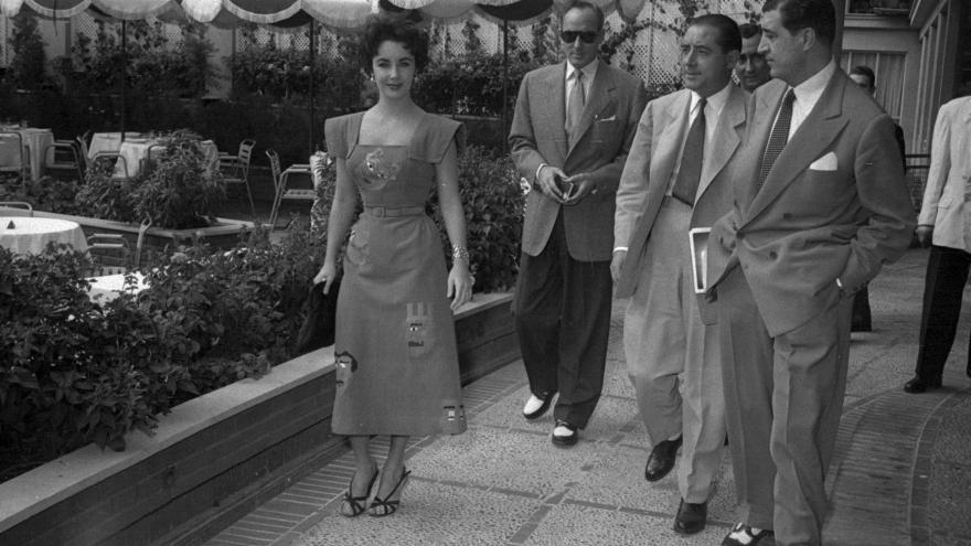 Elizabeth Taylor. en el hotel Castellana Hilton Archivo Regional de la Comunidad de Madrid.
