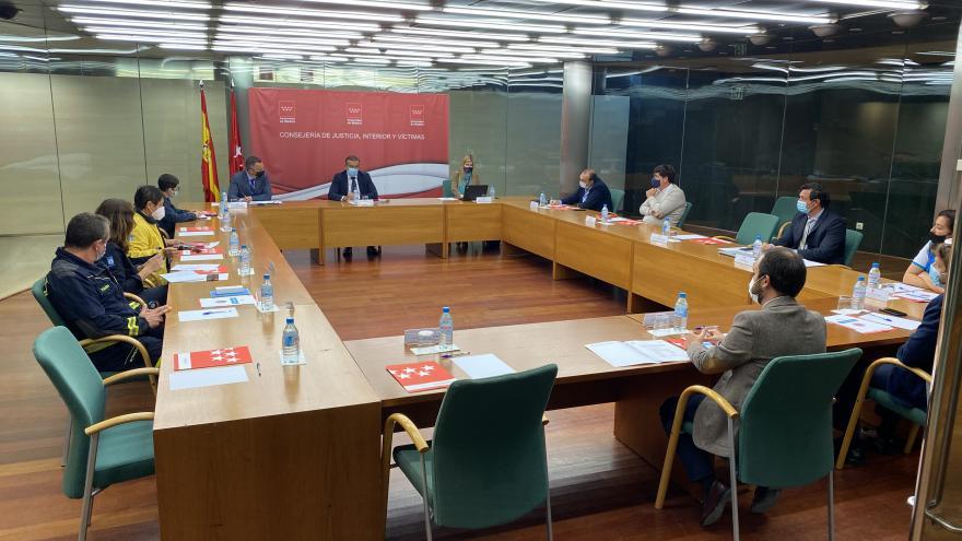 Reunión con miembros de Protección Civil