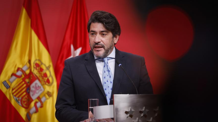 Primer plano del consejero David Pérez