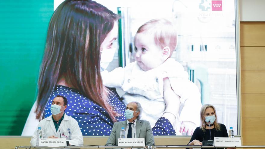 Enrique Ruiz Escudero durante la presentación de un tratamiento celular pionero en el mundo para prevenir el rechazo en trasplantes