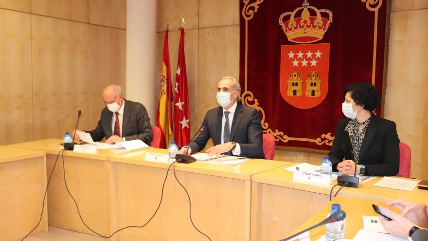 Enrique Ruiz Escudero durante la presentación del primer convenio colectivo aplicable a las fundaciones de investigación biomédica