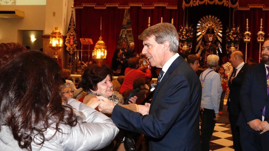 El presidente de la Comunidad de Madrid, Ángel Garrido, en su visita a la Basílica de Jesús de Medinaceli