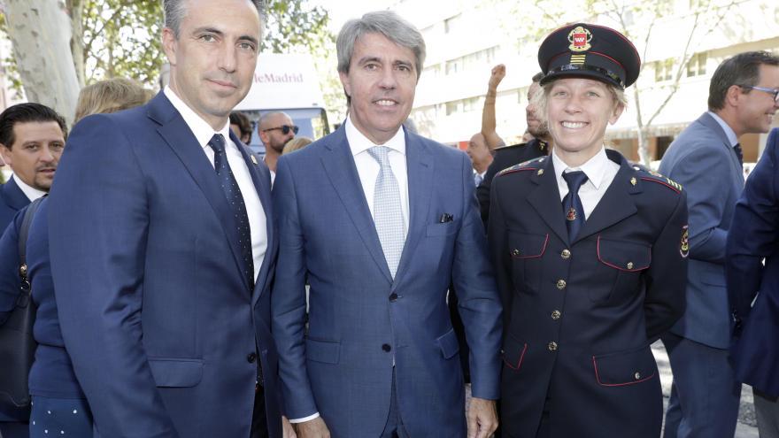 Ángel Garrido junto a Carlos Novillo y Annika Coll