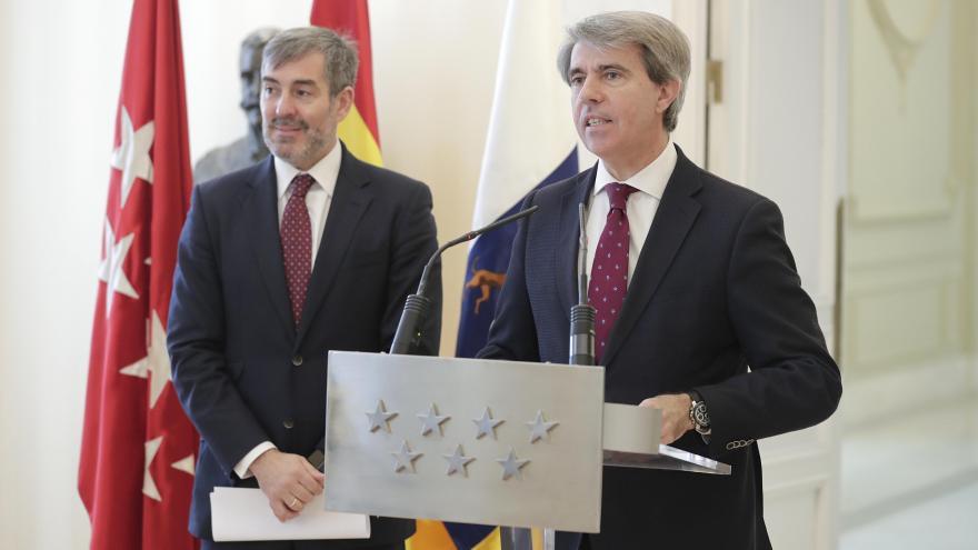 Garrido repasa los últimos preparativos de las campanadas de Fin de Año con el presidente de Canarias