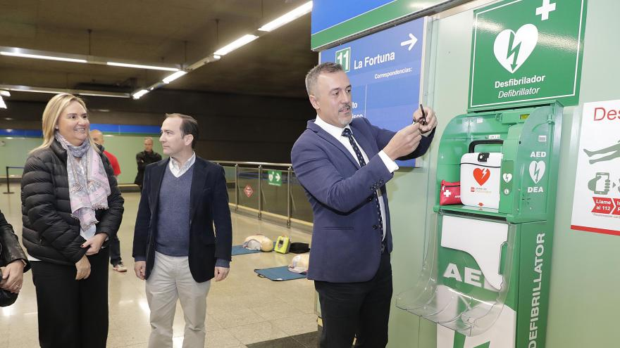 La Comunidad de Madrid finaliza la instalación de 259 desfibriladores en la red de Metro
