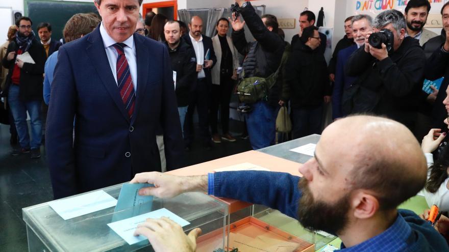 Una iniciativa del Parlamento madrileño permitirá votar por primera vez en España a 100.000 personas con discapacidad intelectual