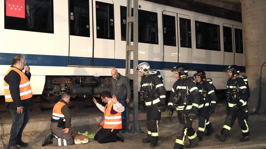 Simulacro de incendio de metro en la estación Tres Olivos