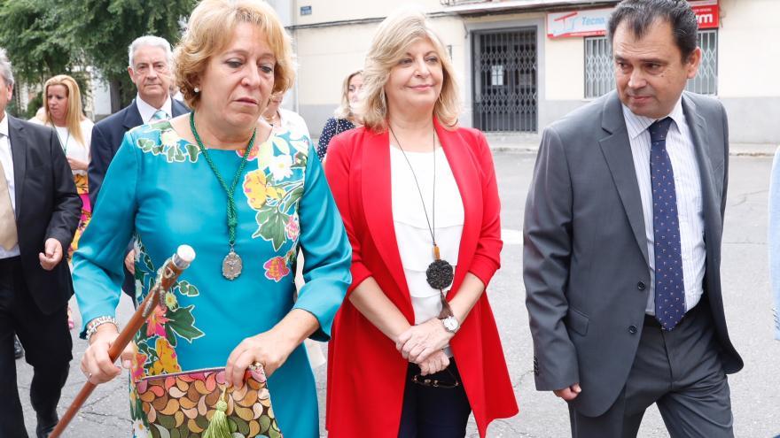 Hidalgo y la alcaldesa de Fuente el Saz, de camino a la Misa en honor a la Virgen de la Ciguiñuela