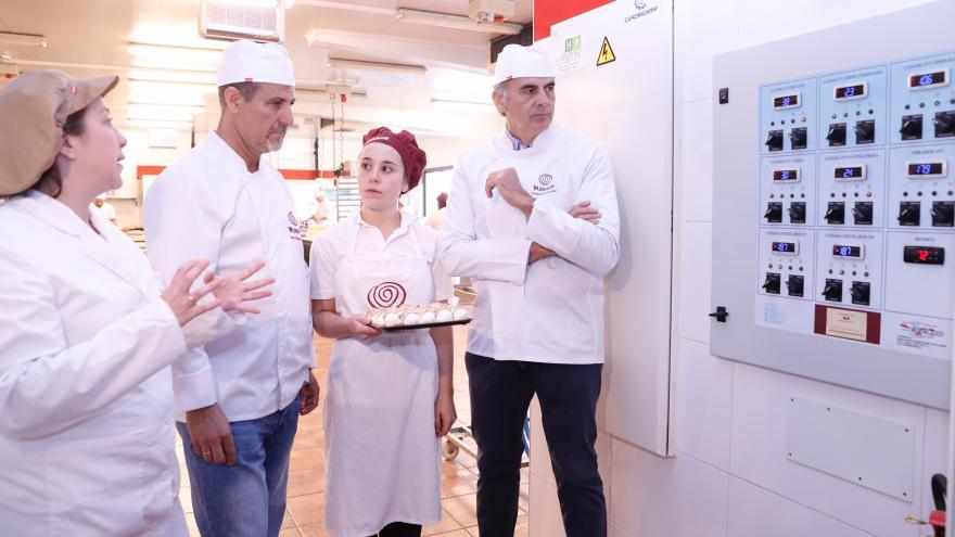 Ruiz Escudero en el obrador Manacor