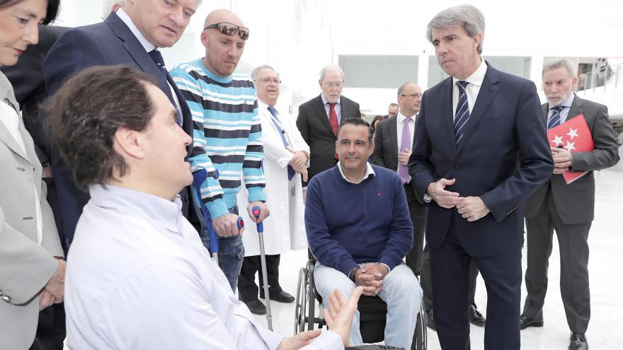 Ángel Garrido durante la visita