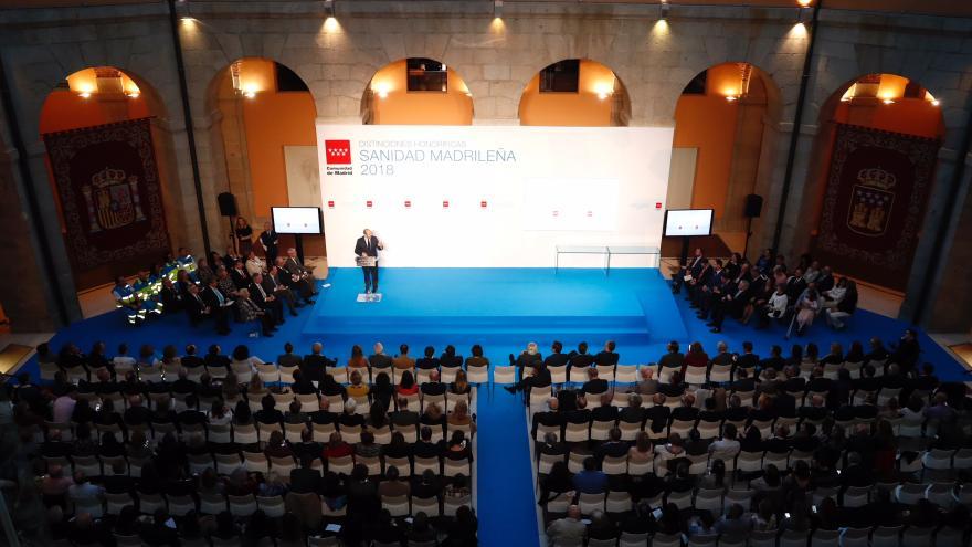 El presidente en funciones de la Comunidad de Madrid, Pedro Rollán, en el acto de entrega de las Distinciones Honoríficas de la Sanidad madrileña