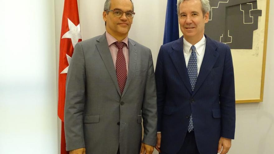 El consejero de Educación e Investigación, ha mantenido una reunión con José María de Areiza, miembro de la 'Plataforma Educación inclusiva sí, Especial también'