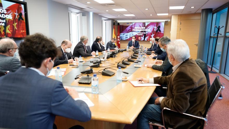 Ignacio Aguado durante la reunión con las principales asociaciones del sector del comercio