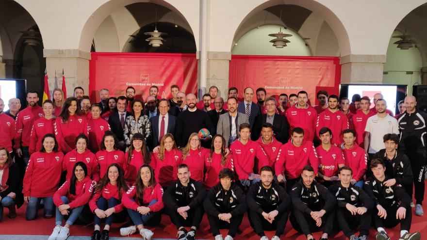 La Comunidad de Madrid rinde homenaje a los mejores equipos deportivos de Alcobendas