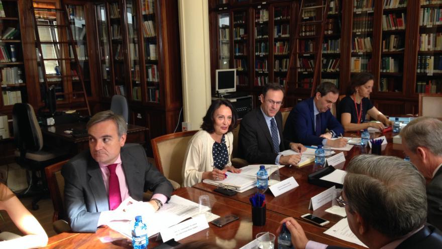 Yolanda Ibarrola participando en la comisión mixta entre la Consejería de justicia y el Ministerio Fiscal