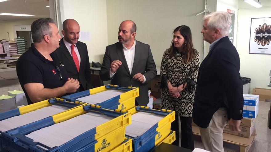 Pedro Rollán en las instalaciones del Boletín Oficial de la Comunidad de Madrid (BOCM)