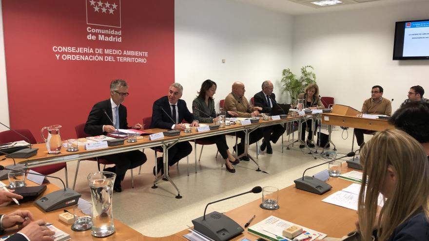 Adrian Hinterreither, Lara Torres y Pablo Altozano en la reunión