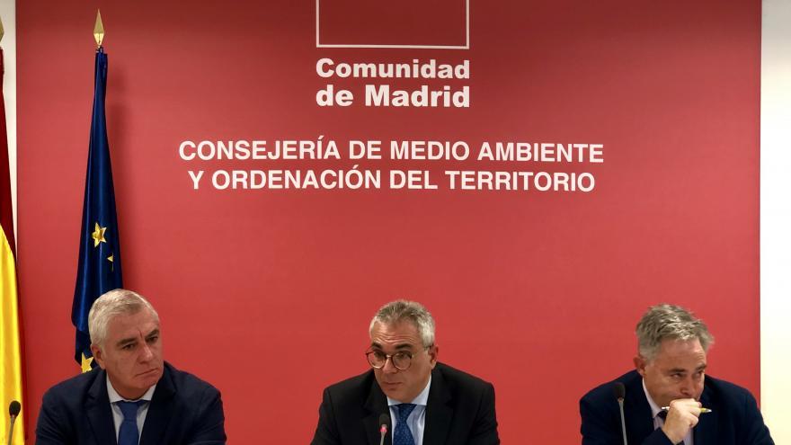 Carlos Izquierdo durante la reunión