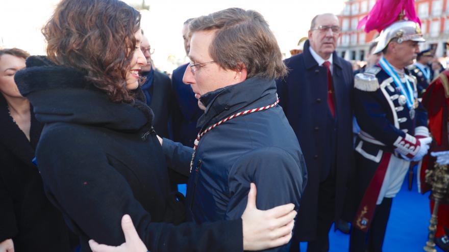 Isabel Díaz Ayuso junto Almeida