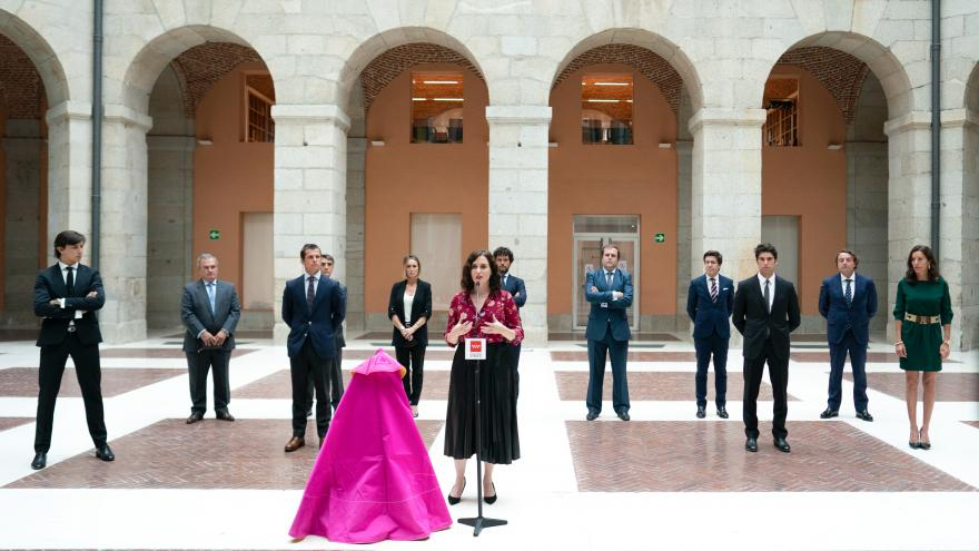 Isabel Díaz Ayuso durante la reunión con el sector taurino
