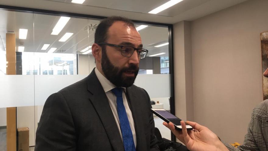 Manuel Giménez en la reunión de la Mesa de los Pactos Sociales de Madrid
