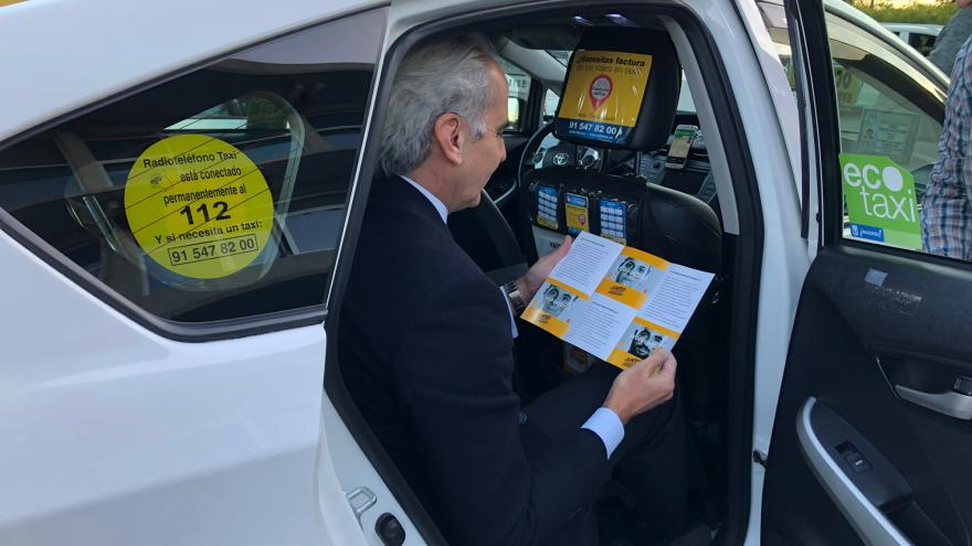 Los taxistas se suman a la campaña 'Únete al equipo médula' de la Comunidad de Madrid