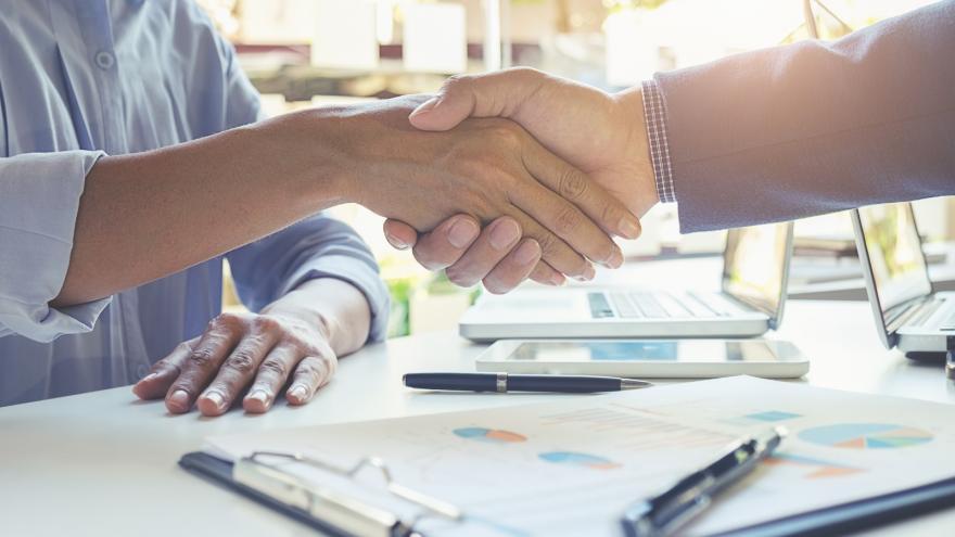 Ayudas de formación con compromiso de contratación