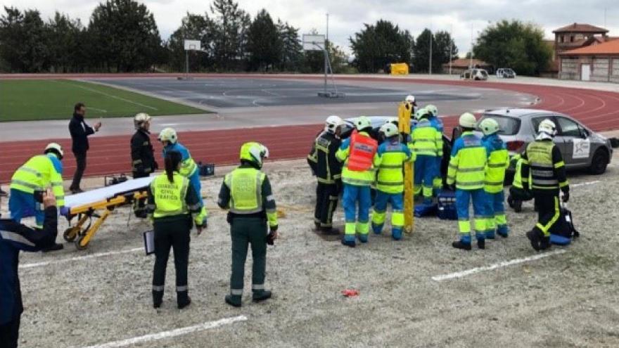 simulacro de varios cuerpos de seguridad y emergencias en jornada de coordinación en accidentes de tráfico