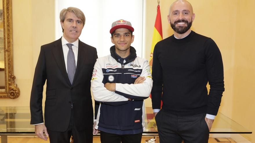 Garrido recibe a Jorge Martín, primer madrileño campeón del Mundo de Motociclismo