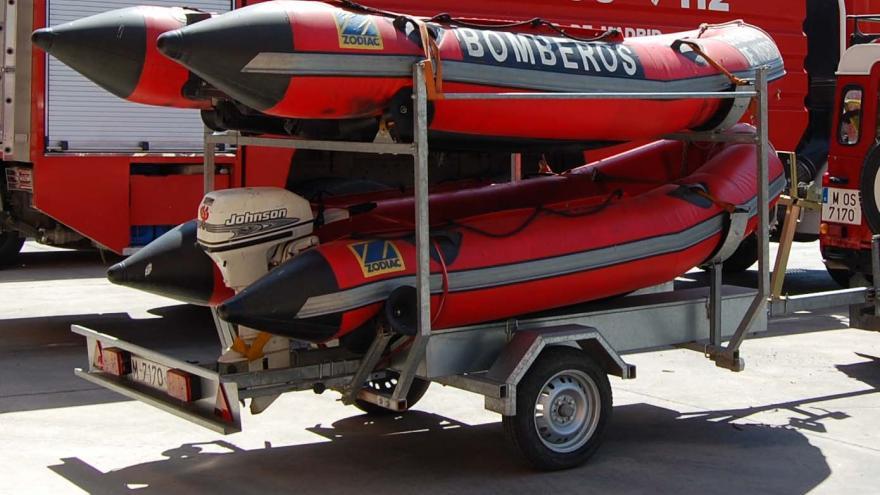 Remolque barcas de salvamento: 2 unidades