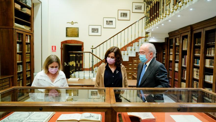 Díaz Ayuso visita la Real Academia Española