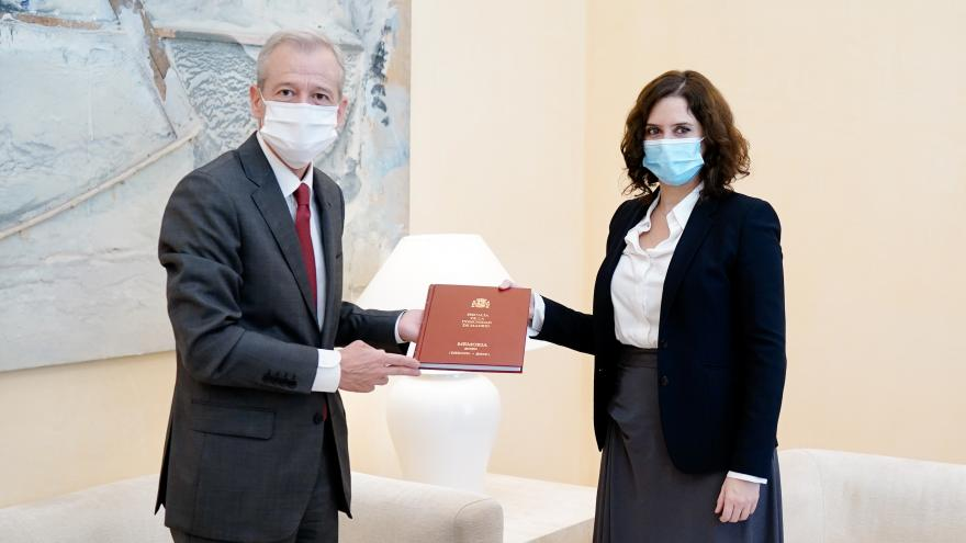 Díaz Ayuso recibe la Memoria 2020 de la Fiscalía de la Comunidad de Madrid