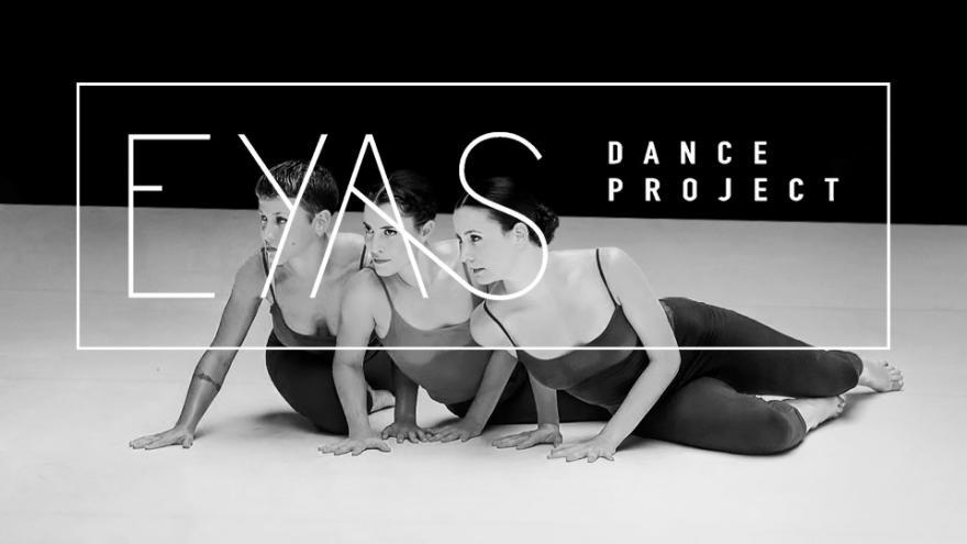 Imagen en la que se ve a las tres bailarinas de Hiit sobre el suelo