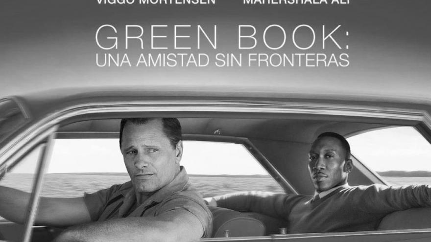 Imagen d ela pel'icula Green Book donde se ve a sus dos protagonistas en el coche