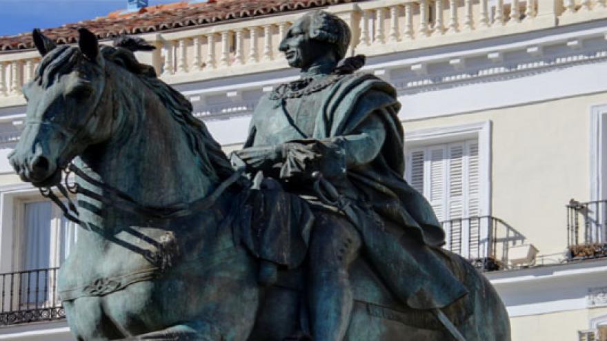 Estatua de Carlos III a caballo