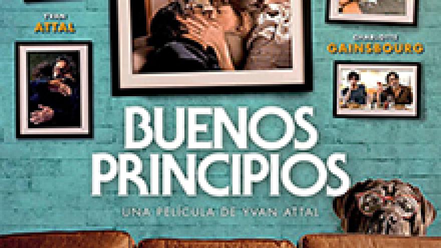 portada de la película Buenos Principios en la que se ve un sofá y unos cuadros sobre una pared