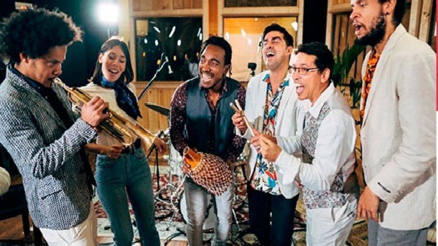 imagen de la banda Cuban Jazz tocando