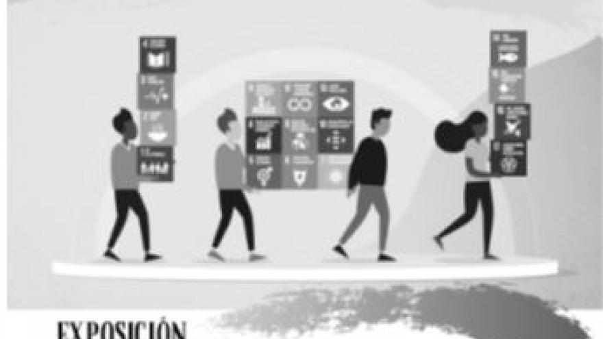 imagen del cartel de la exposición en la que ven a cuatro personas con cajas
