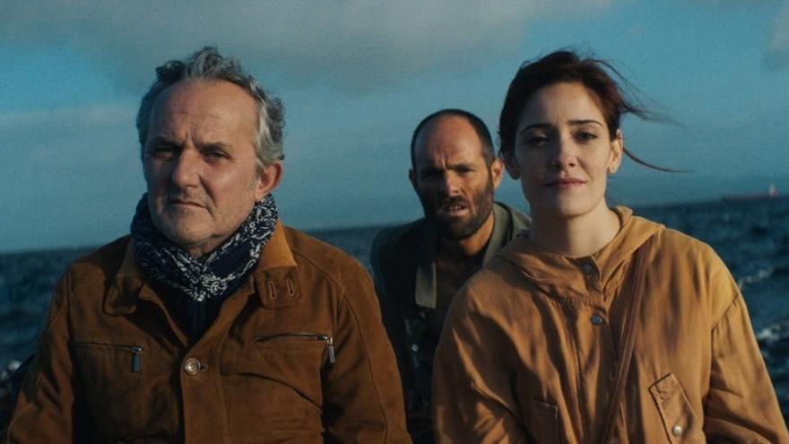 imagen en la que se ve a tres actores de la película ONS