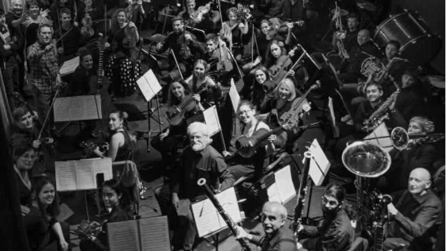 imagen en la que se ve a todos los integrantes de la Orquesta Athanor